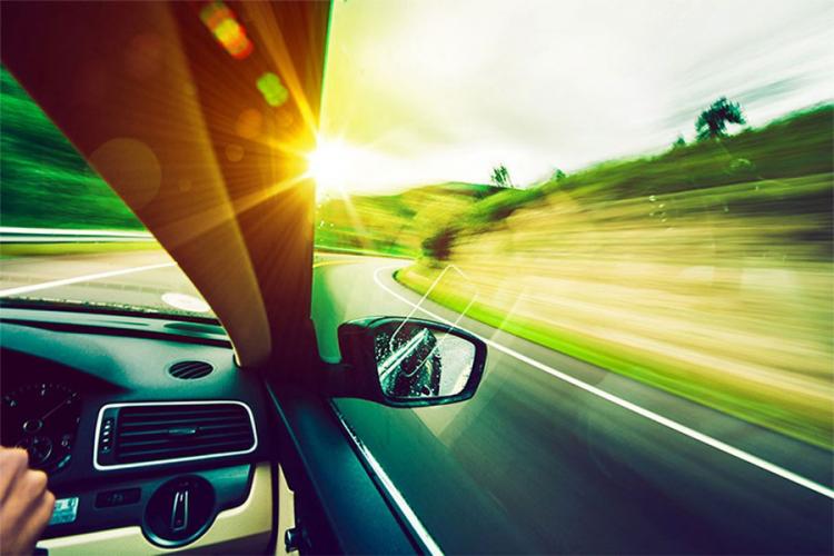 Kako spriječiti nesnosnu vrućinu u automobilu