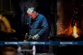 Profesor čuva kovačku vatru da se ne ugasi